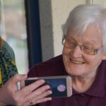Smartphone apps for older people living independently